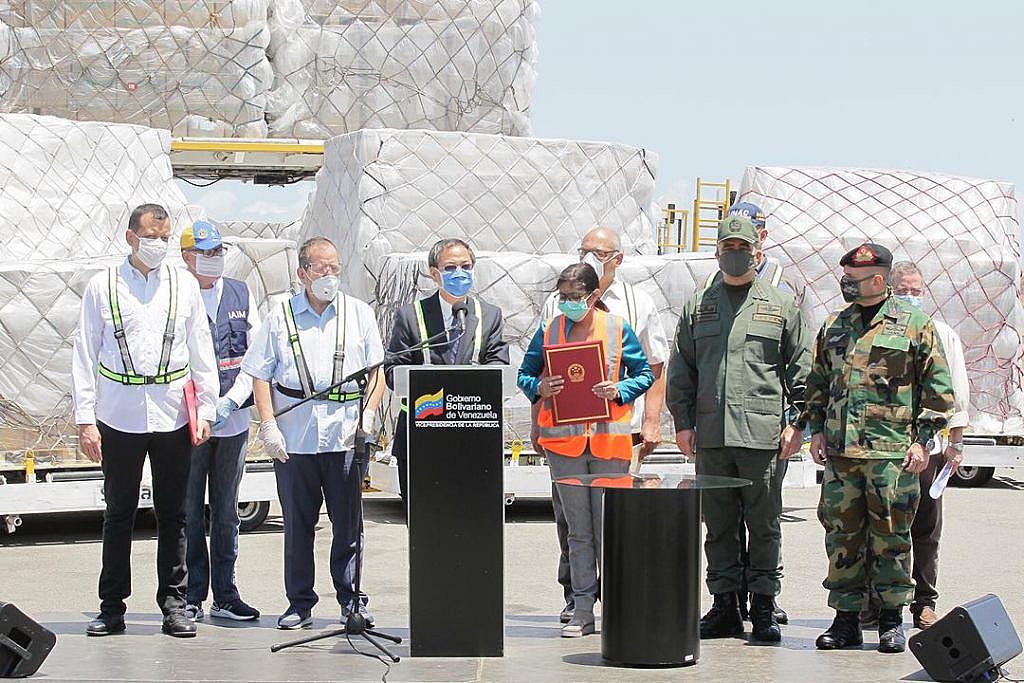Llegaron al país 500 mil kits y segundo lote de insumos provenientes de China
